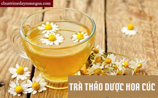 Chữa nổi mề đay bằng cách uống trà thảo dược