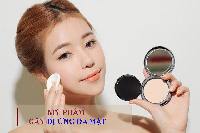 Tránh sử dụng các loại mỹ phẩm gây dị ứng da mặt
