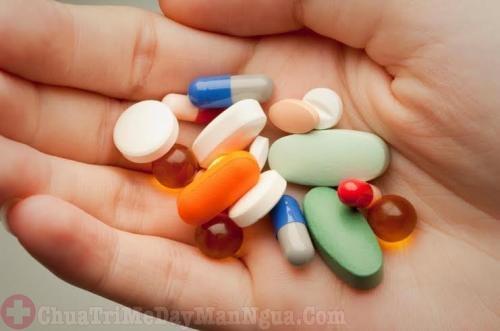 Điều trị chàm bội nhiễm cho người lớn và trẻ em bằng thuốc tây