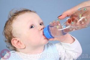 Bổ sung đủ nước cho trẻ, phòng ngừa các bệnh về da