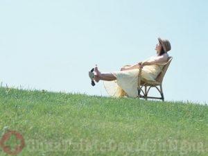Phòng ngừa nổi mẩn ngứa bằng cách nghỉ ngơi thư giãn