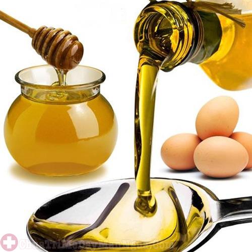 Mật ong và trứng gà dùng để trị dị ứng da mặt