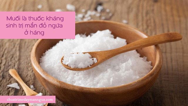 muối trị mẩn đỏ ngứa ở háng