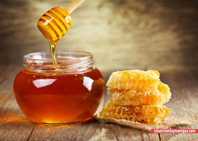Mật ong chữa dị ứng son môi