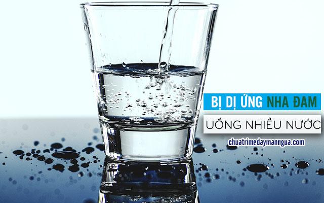 dị ứng nha đam nên uống nhiều nước