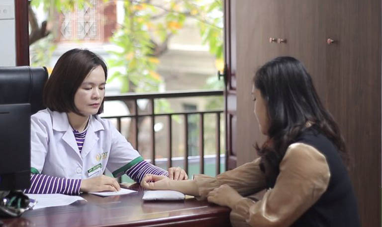 Khám chữa mề đay tại Trung tâm Thuốc dân tộc